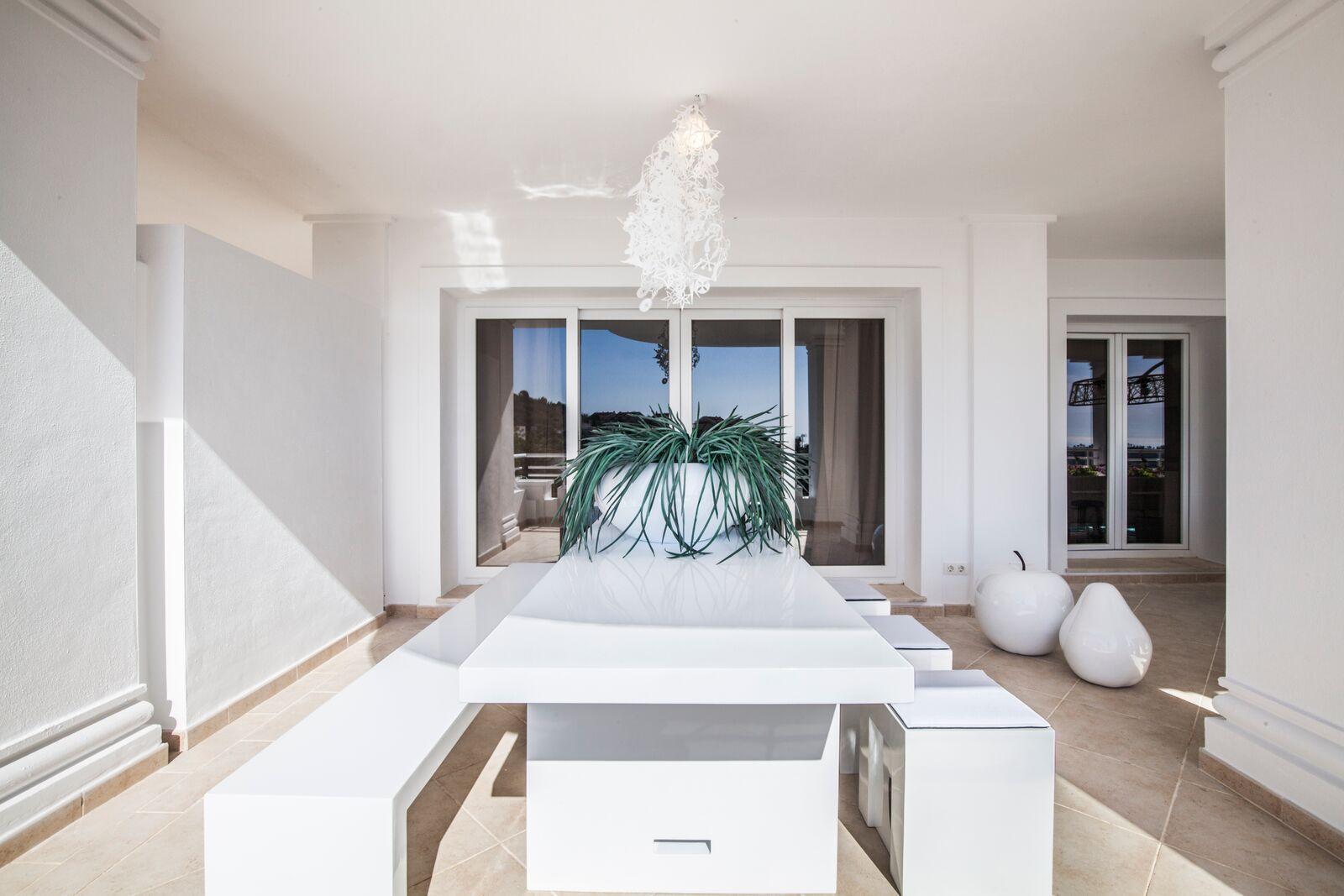 Aloha-Suites-Exterior-2