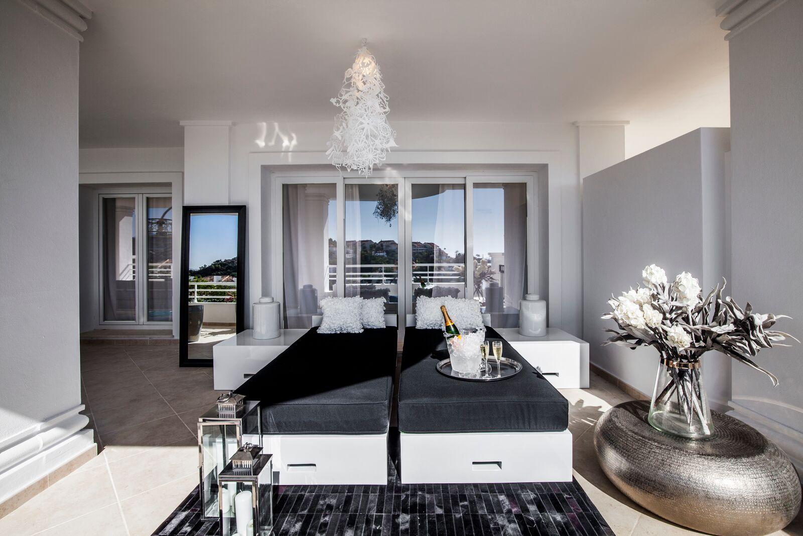 Aloha-Suites-Exterior-3
