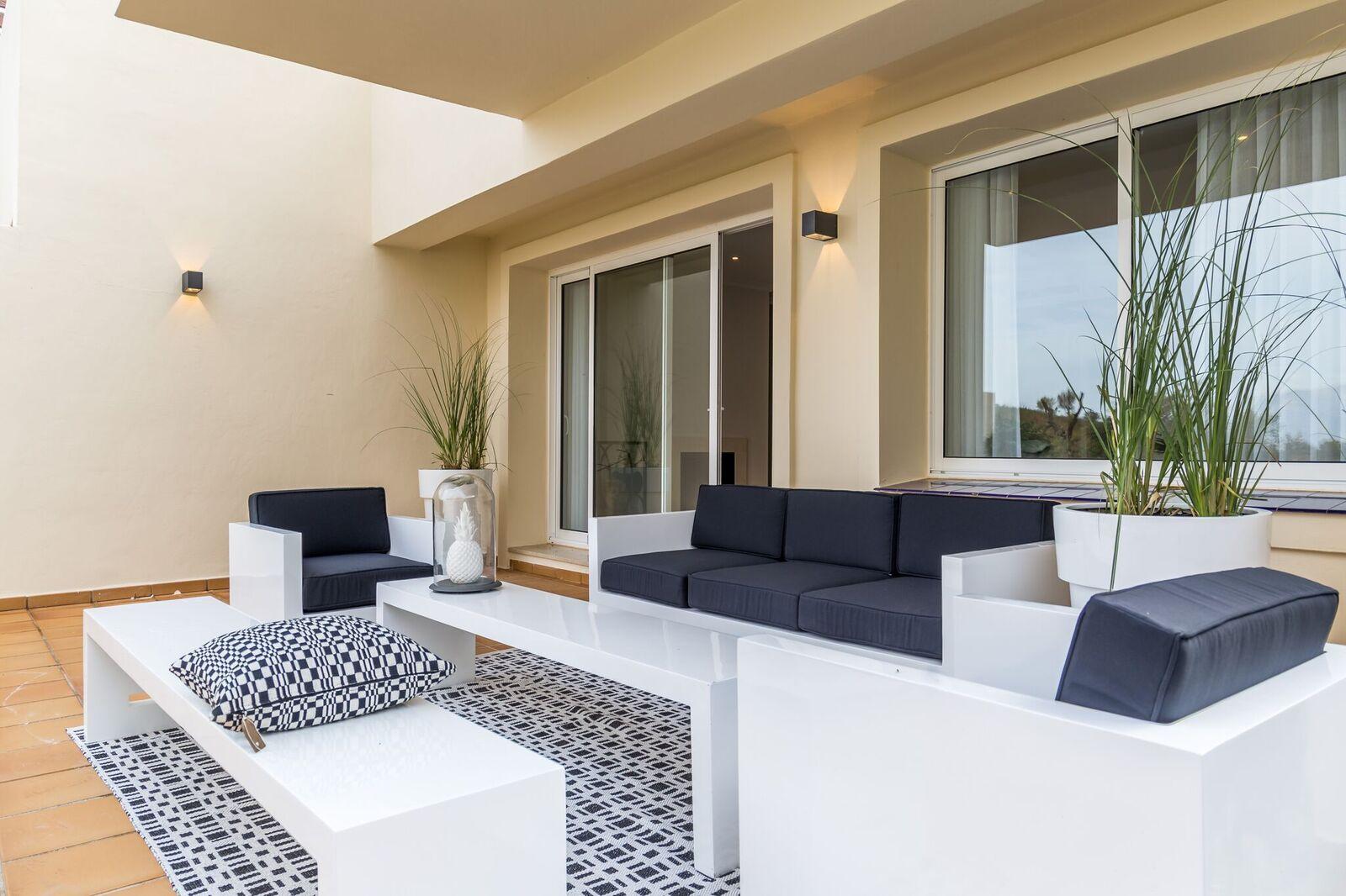 La-Mairena-Terrace-Exterior-4